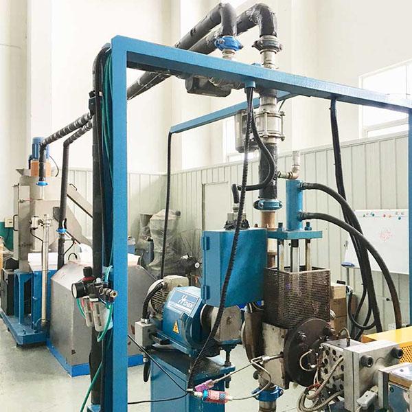 华辰高熔指材料水下切粒机如何应用于疫情防护